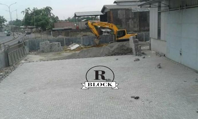 Pemasangan Paving Block Model Bata Rani Block